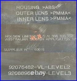COMMODORE VX BERLINA CALAIS HSV REAR TAIL LIGHT BOOT GARNISH Gen GMH 92088960