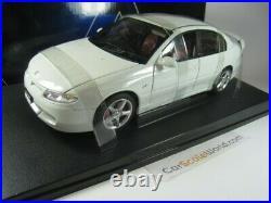 Holden Hsv Commodore Vt2 Clubsport R8 1/18 Autoart (herron White)